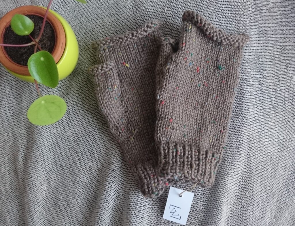 Fingerless tweed